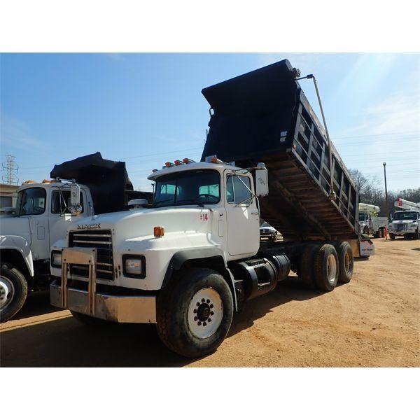 2000 MACK RD690S Dump Truck