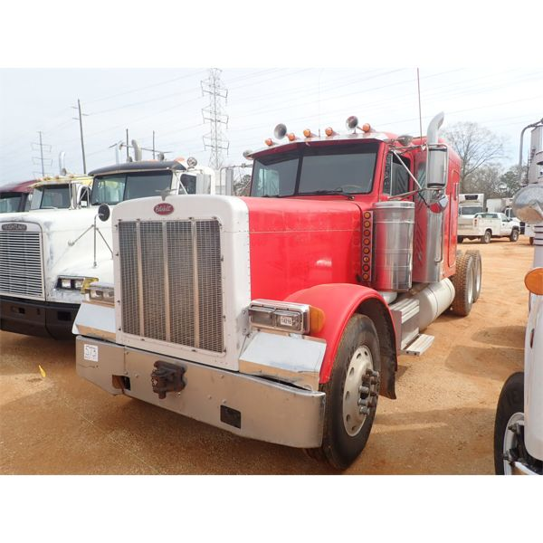 1997 PETERBILT 379 Sleeper Truck