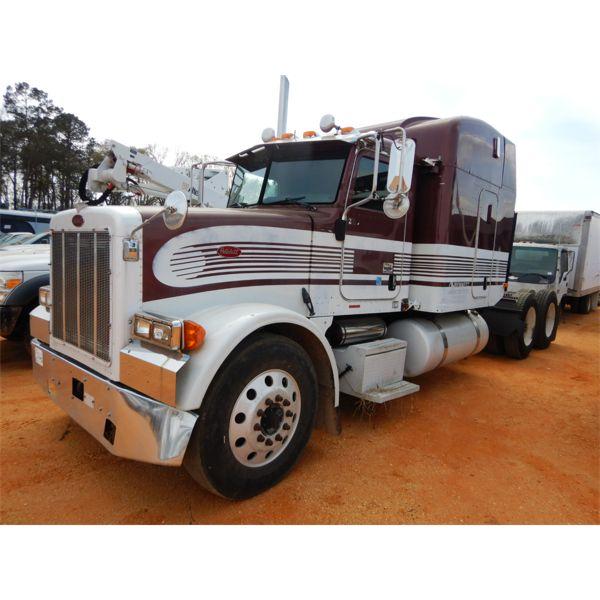 2005 PETERBILT 378 Sleeper Truck