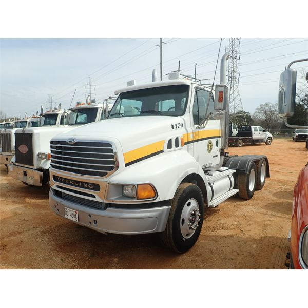 2004 STERLING  Day Cab Truck