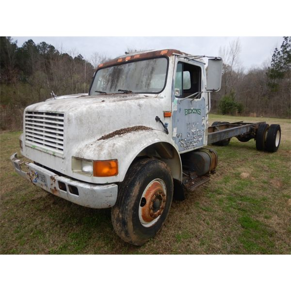 1991 INTERNATIONAL  Cab and Chassis Truck