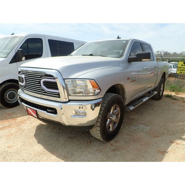 2014 DODGE RAM 2500 HD Pickup Truck