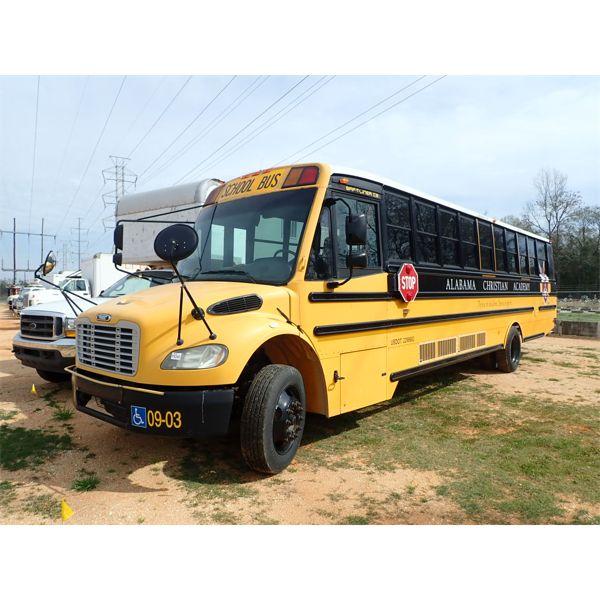 2009 THOMAS SAF-T-LINER C2 Bus