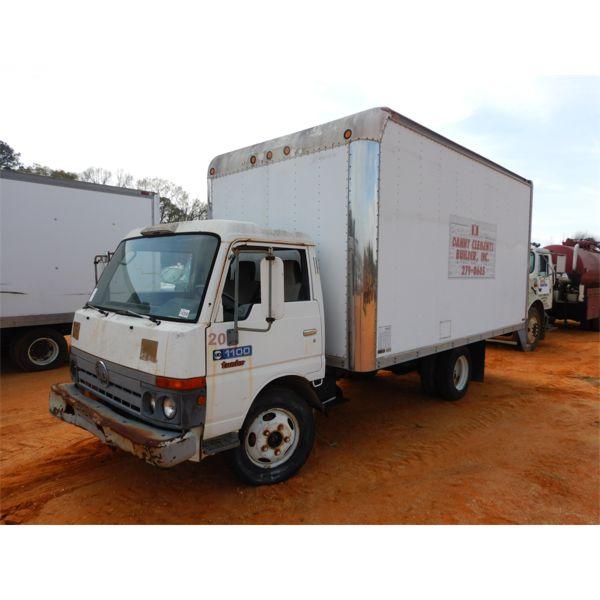 1989 UD 1100 Box Truck