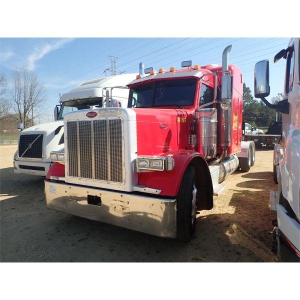 2007 PETERBILT 379 Sleeper Truck