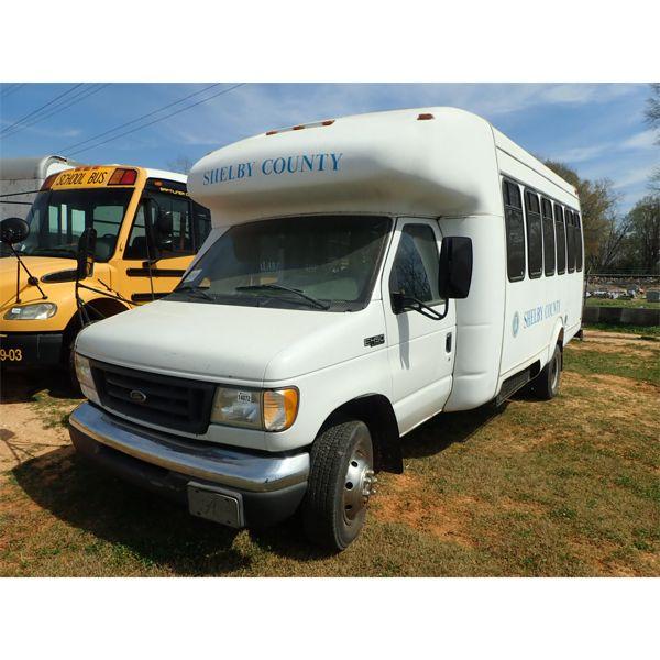 2003 FORD F450 Passenger Van