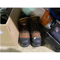 DAKOTA SIZE 10.5 STEEL TOE WORK BOOTS, BOX OF ASSORTED SHOES, BAG OF THERMOSES, GOLF BAG