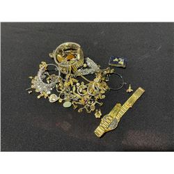 BAG OF ASSORTED JEWELRY, RINGS & WATCHES