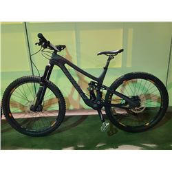 BLACK NORCO SIGHT 20 - SPEED FULL SUSPENSION MOUNTAIN BIKE WITH FULL DISC BRAKES AND CARBON