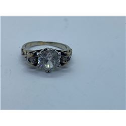 18K LADIES RING WITH ZIRCONIA REPLACEMENT VALUE 475.00