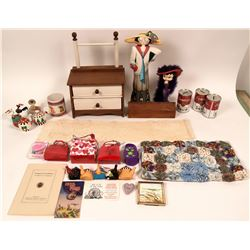 Box of Collectibles  (117475)