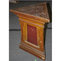 Fraternal station stand or podium  (103378)