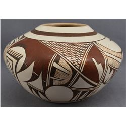 HOPI INDIAN POTTERY JAR (GRACE NAVASIE-LOMAHQUAHU)