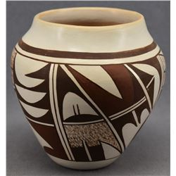 HOPI INDIAN POTTERY JAR (NAVASIE)