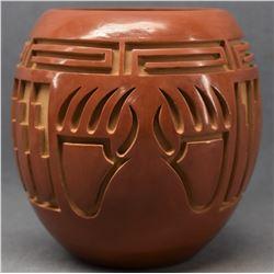 SANTA CLARA INDIAN POTTERY JAR (ANNA ARCHULETA)