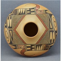 HOPI INDIAN POTTERY JAR ( GLORIA MAHIE)