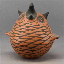 ZUNI INDIAN POTTERY OWL ( HENDERSON)