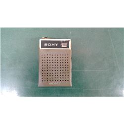Working Sony transistor radio