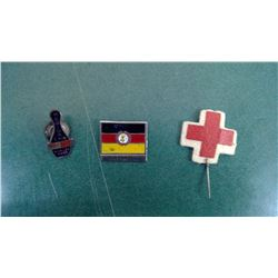 Regina 5 Pin Club/E Germany/Red Cross