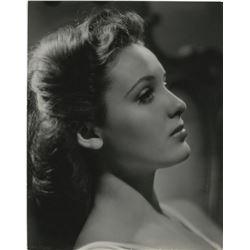 Linda Darnell (4) photographs.