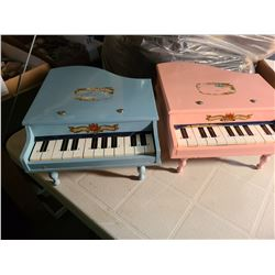 Toy Grand Pianos Cat A