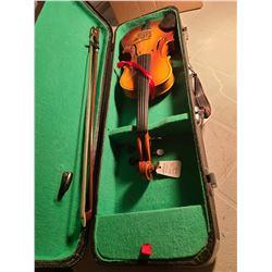 Child's Violin in case. Cat A