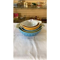 LOT OF COLORED PYREX MIXING BOWLS