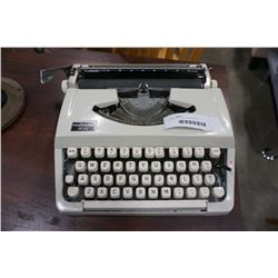 MAJESTIC 400 TYPEWRITTER