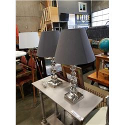PAIR OF MODERN CLEAR ACRYLIC TABLE LAMPS