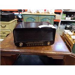 PHILCO TRANSISTONE TUBE RADIO MODEL 225