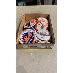 LOT OF ASSORTED VINTAGE MLB BUTTONS