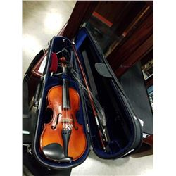 GOLDEN MAPLE VIOLIN WITH BOW IN CASE