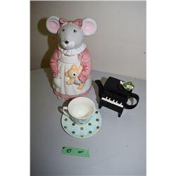 Ceramic Cookie Jar, Teapot, Etc