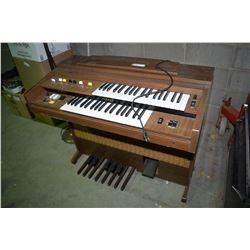 Electric Organ (Yamaha)