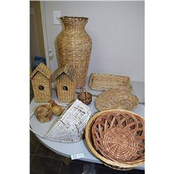 Basket Lot (Bird House)