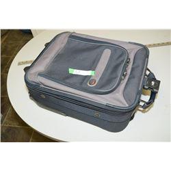 American Tourist Travel Bag