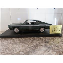 1:18 1969 Plymouth Barracuda road legend in box