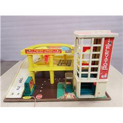 Vintage Fisher Price Toy Garage