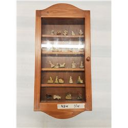 Display Case & Wade Tea Ornaments - 25x12in