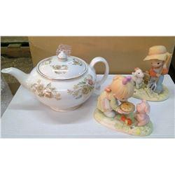 Lot of Teapot & Figurines