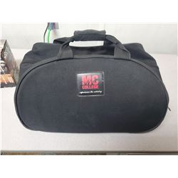 1 Black travelling bag