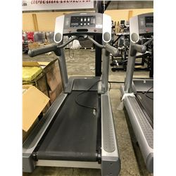 LIFE FITNESS 95TI FLEX DECK TREADMILL 120V/20A