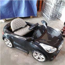 Black 12v ride on car no charger