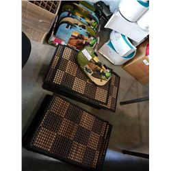 TRAY OF BEACH CHAIR SIDE TABLES AMD PLACEMATS