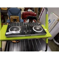 NUMARK MIXTRACK PRO2 DJ TABLE