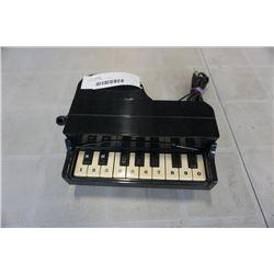 VINTAGE PIANO PHONE