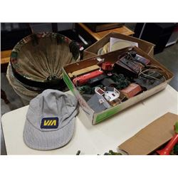 TRAY OF HO SCALE TRAIN ACCESSORIES, CARS, CONTROLLER AND VIA RAIL HAT