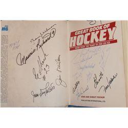 signed by Rocket Maurice Richard, Eddy Shack, Yvon Lambert, others signatures Hockey Book -livre