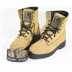 Tan sz.9 Viper Boots and camo pouch