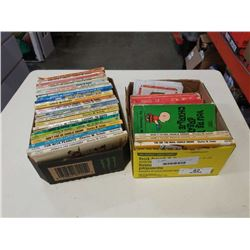 2 TRAYS OF SNOOPY AND CHARLIE BROWN COMICS
